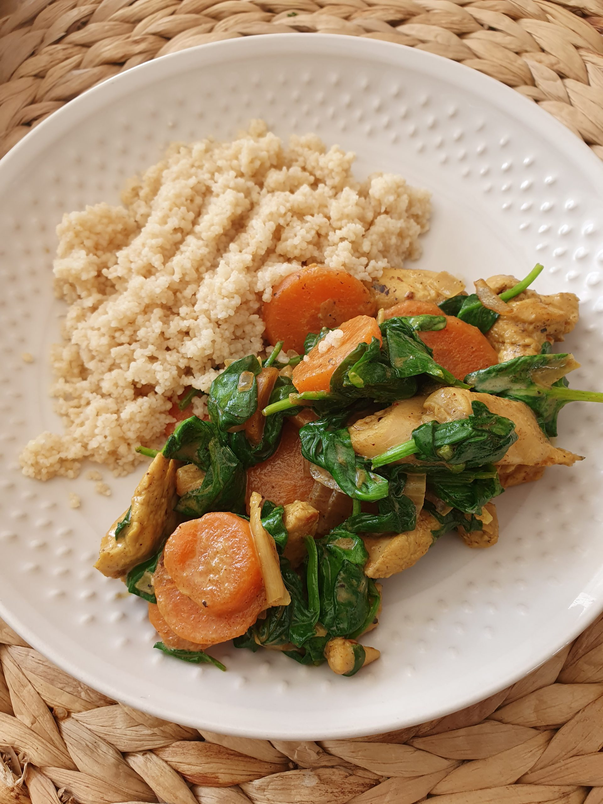 Sauté de dinde aux carottes et épinards